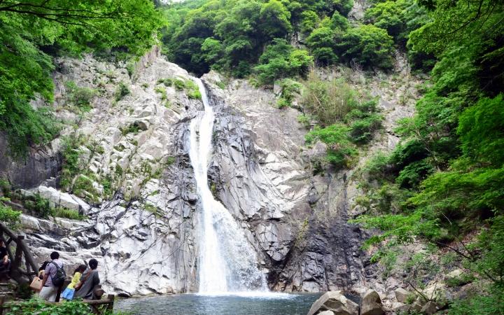 雄滝(おんたき)